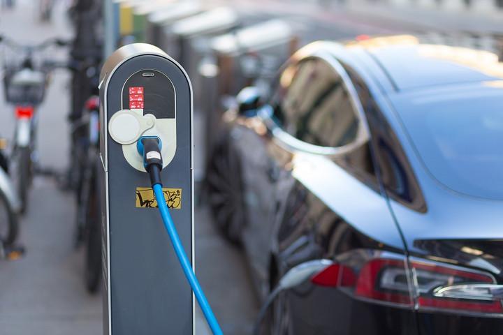 """政策、市场、技术、国际竞争,新能源汽车的四大""""里程焦虑"""""""